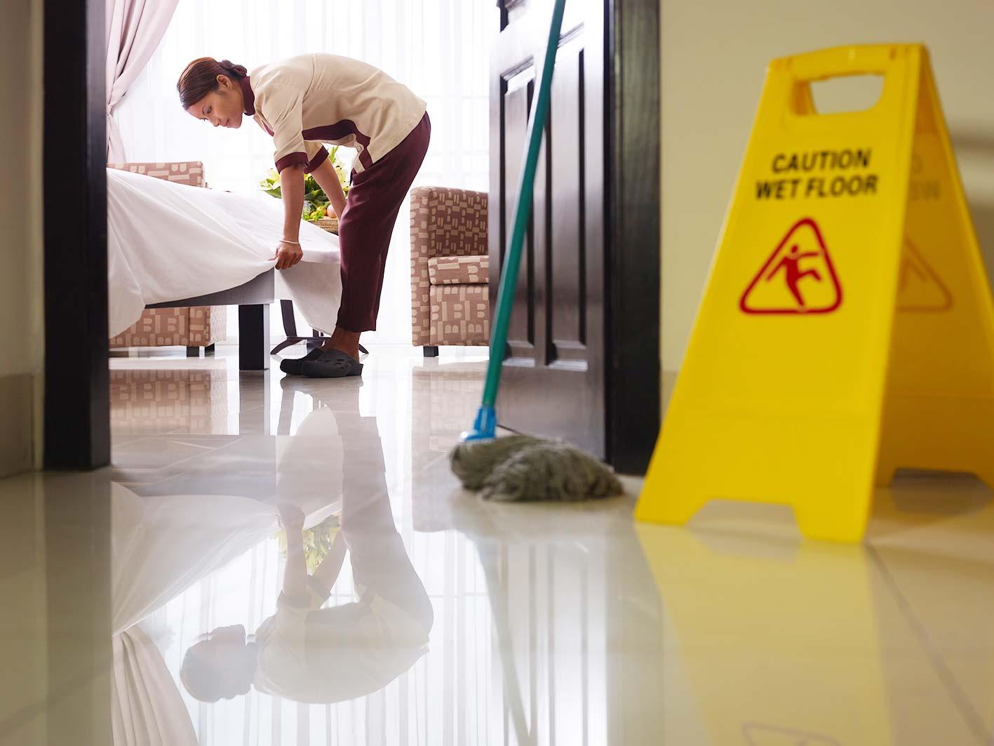 Prodotti per pulire camere d 39 hotel totalmente naturali for Scopa h2o recensioni