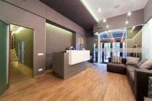 pulizia reception hotel